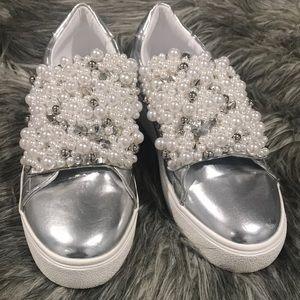 STEVE MADDEN woman's Leon pearl sneakers